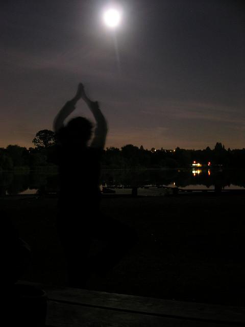 moon-yoga